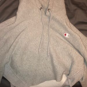 Women's cropped champion hoodie size small